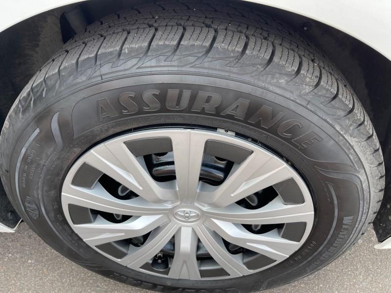 Toyota Camry Hybrid 2018 price $25,995