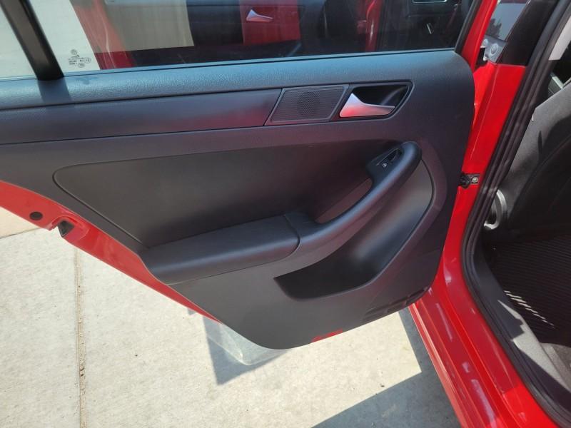 Volkswagen Jetta 2012 price $7,995