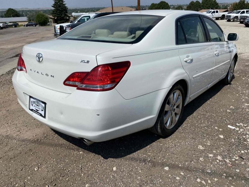 Toyota Avalon 2007 price $7,688