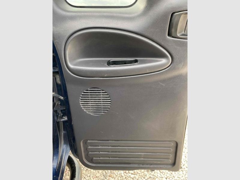 Dodge Ram Pickup 2500 2001 price $13,995