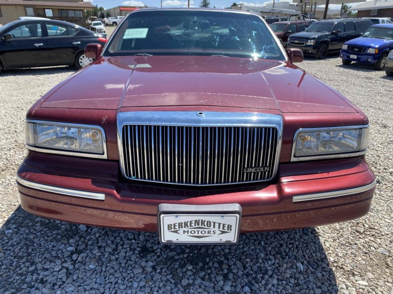 Lincoln Town Car 1997 price $4,488