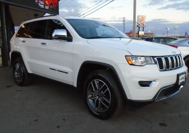 Jeep Grand Cherokee 2019 price $26,995