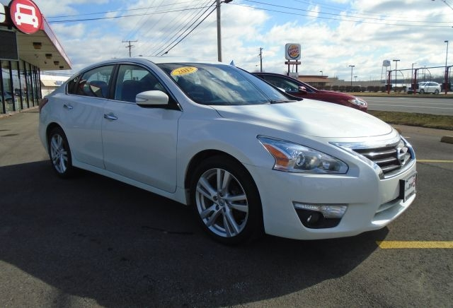 Nissan Altima 2013 price Call for price