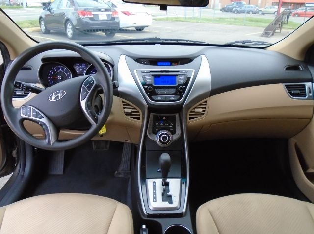 Hyundai Elantra 2013 price Call for price