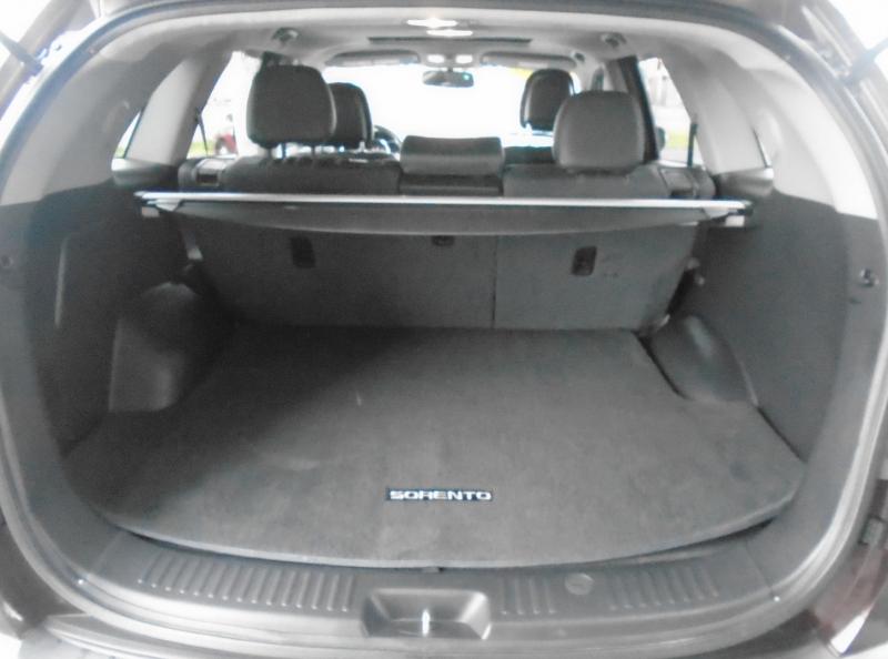 Kia Sorento 2011 price Call for price