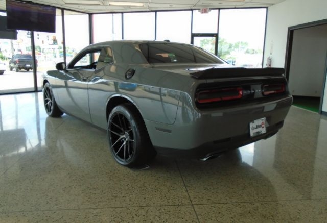 Dodge Challenger 2017 price $33,150