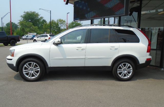 Volvo XC90 2010 price Call for price