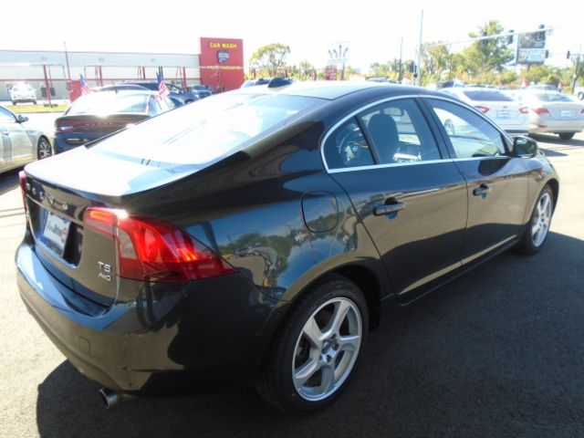 Volvo S40 2013 price Call for price