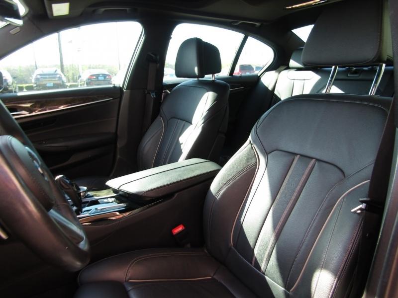 BMW 5-Series 2018 price $38,990