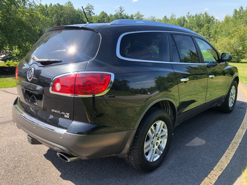 Buick Enclave 2009 price $8,990