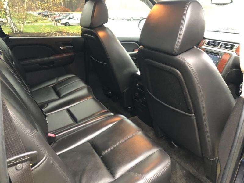 Chevrolet Avalanche 2008 price $10,990