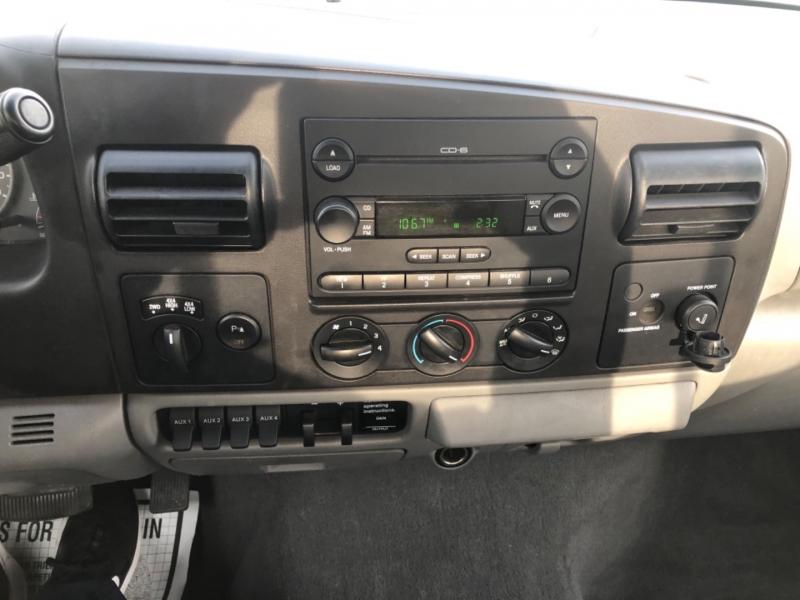Ford Super Duty F-350 SRW 2006 price $11,990