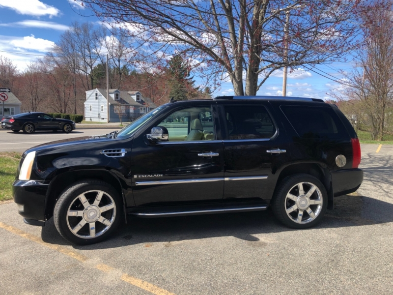 Cadillac Escalade 2007 price $10,495