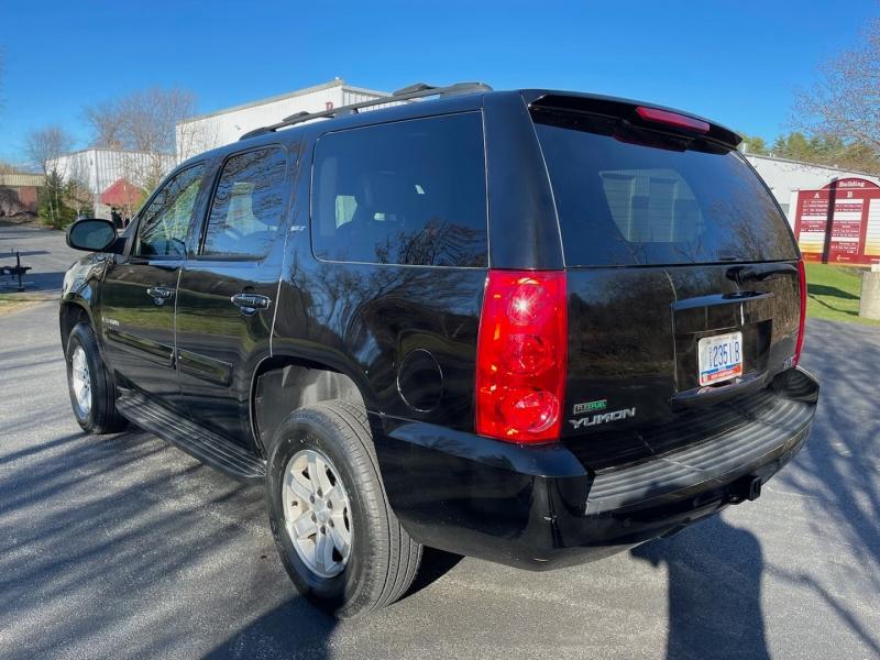 GMC Yukon 2009 price $10,990