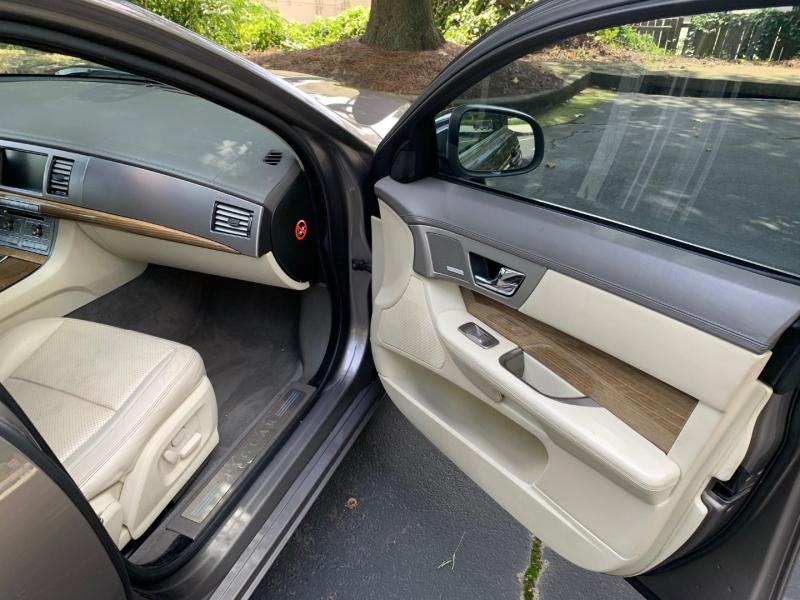 Jaguar XF 2009 price $6,999