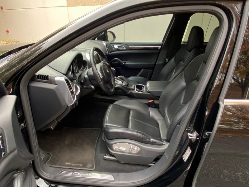 Porsche Cayenne 2011 price $17,999