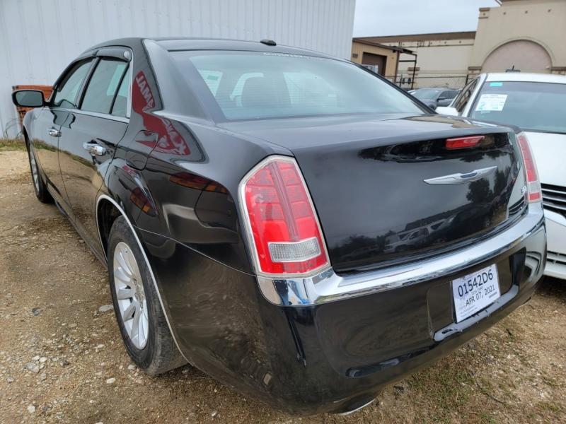 Chrysler 300 2014 price $3,000 Cash Special