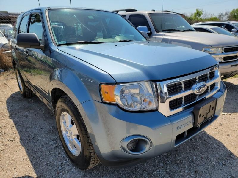 Ford Escape 2012 price $1,700 Down