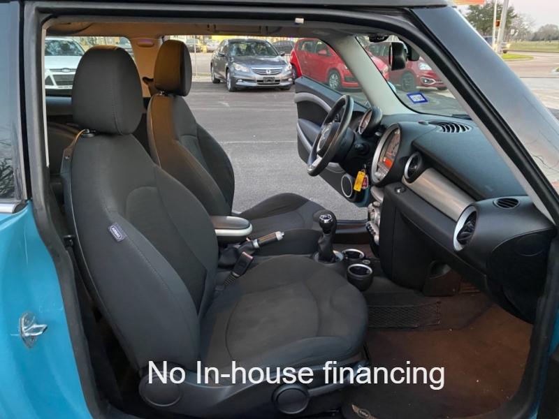 Mini Cooper Hardtop 2009 price $5,700