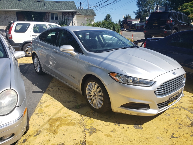 Ford Fusion Hybrid 2015 price $10,500