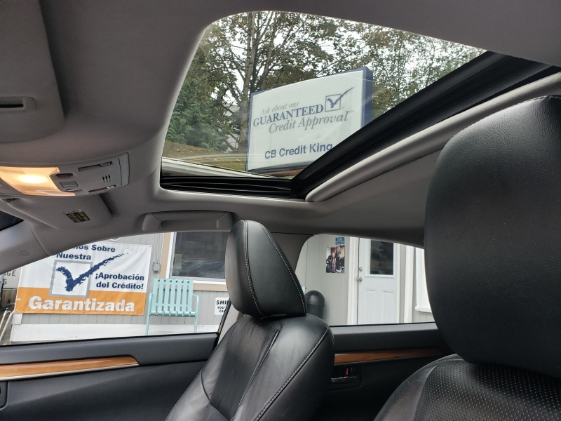Lexus ES 300h 2014 price $17,400