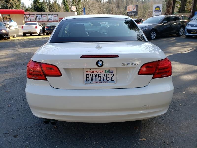 BMW 3 Series 2011 price $11,971