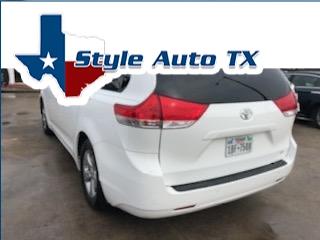 Toyota Sienna 2011 price $7,495
