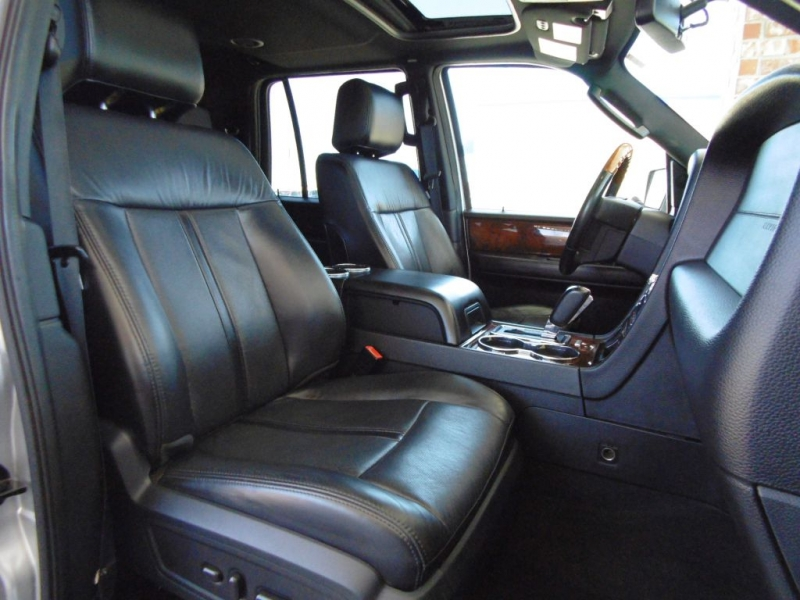 LINCOLN NAVIGATOR 2015 price $24,900
