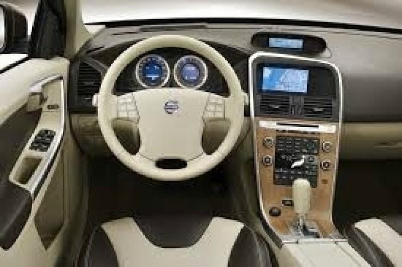 Volvo XC60 2010 price $16,777