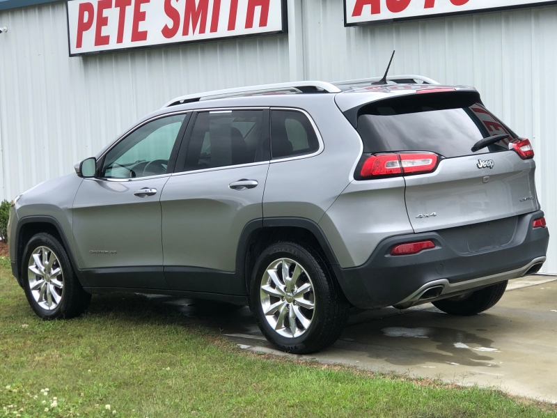 Jeep Cherokee 2015 price $14,290