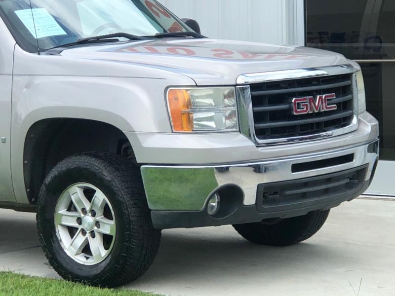 GMC Sierra 1500 2009 price $13,895