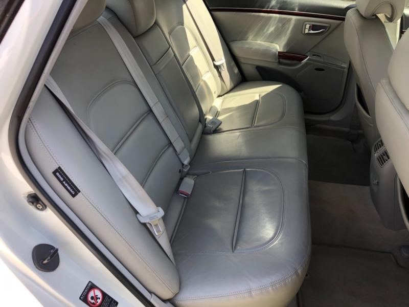Hyundai Azera 2006 price $5,995