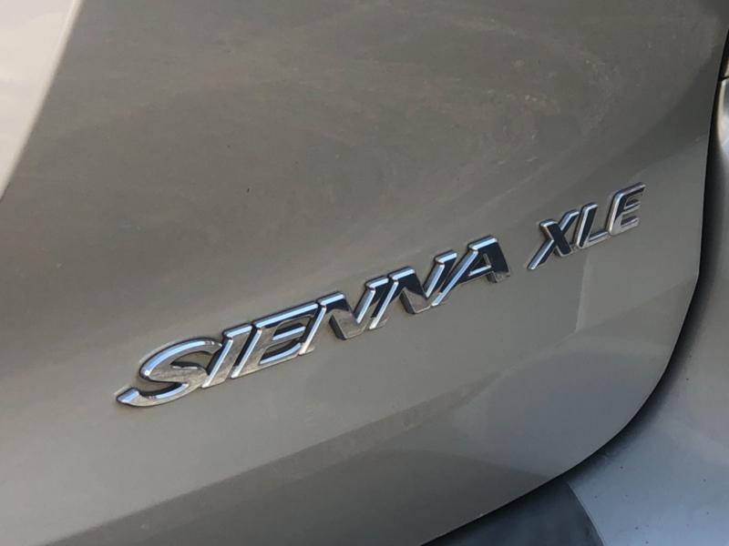 Toyota Sienna 2007 price $7,495