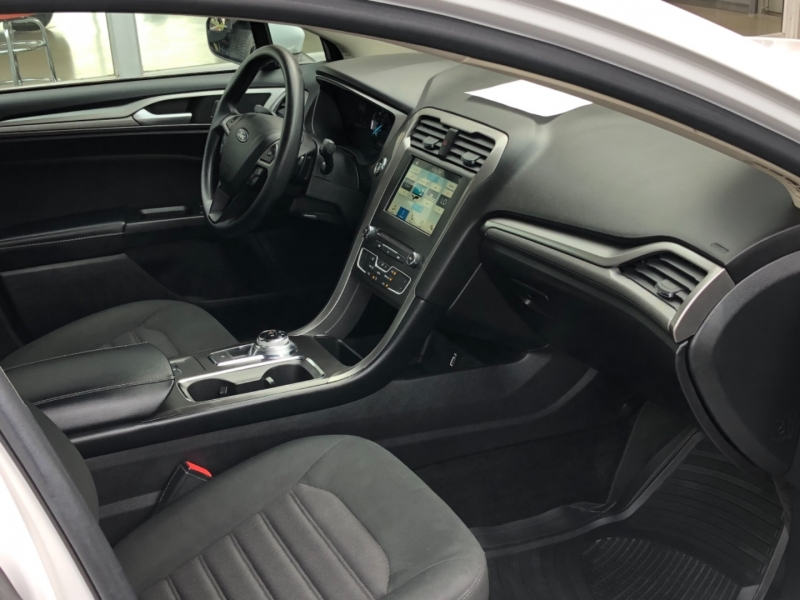 Ford Fusion 2018 price $18,595