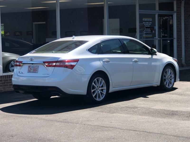 Toyota Avalon 2013 price $17,999