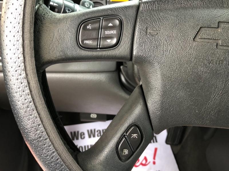 Chevrolet Avalanche 2004 price $8,495