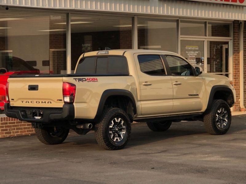 Toyota Tacoma 2016 price $35,595