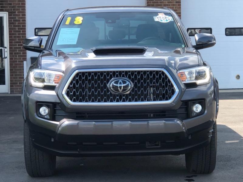 Toyota Tacoma 2018 price $39,595