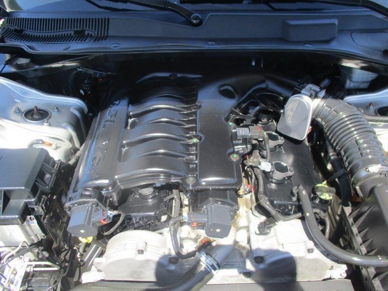 CHRYSLER 300 2007 price $8,999