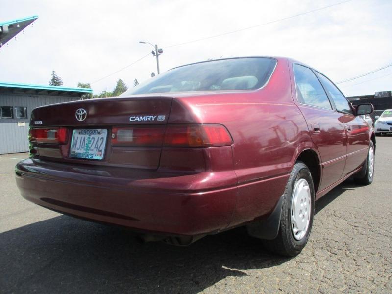 TOYOTA CAMRY 1998 price $2,500