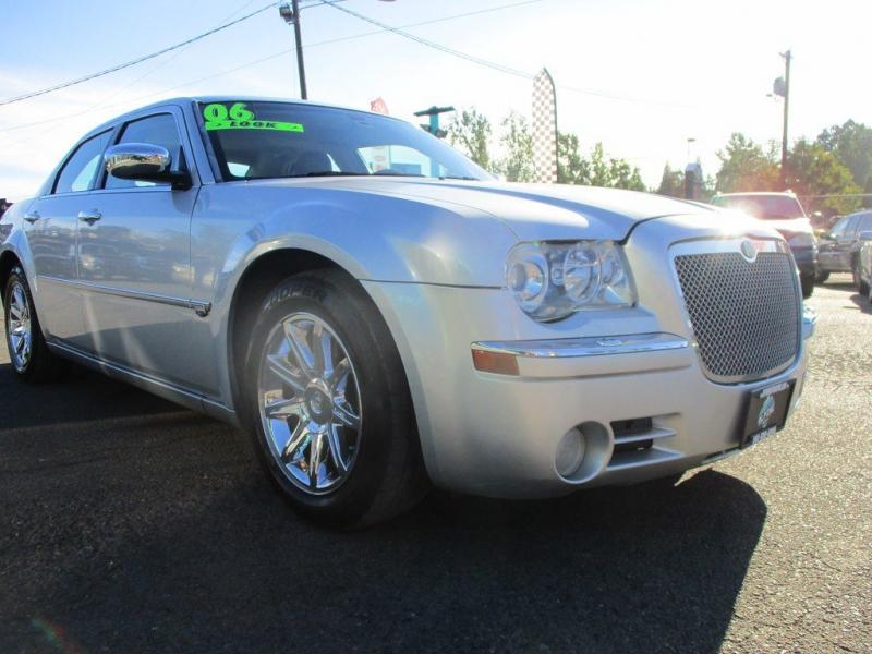 CHRYSLER 300C 2006 price $5,999