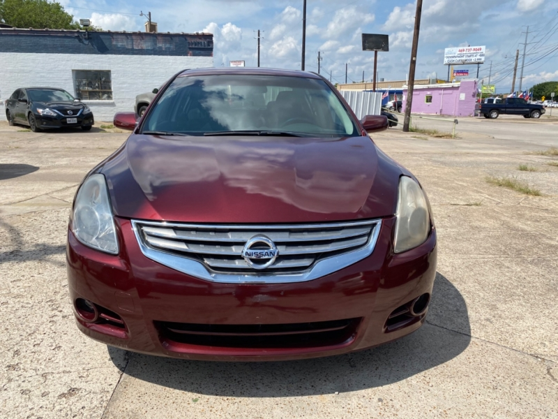 Nissan Altima 2010 price $4,995 Cash