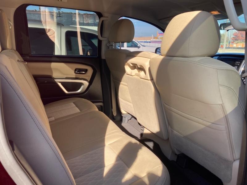 Nissan Titan 2017 price $25,250