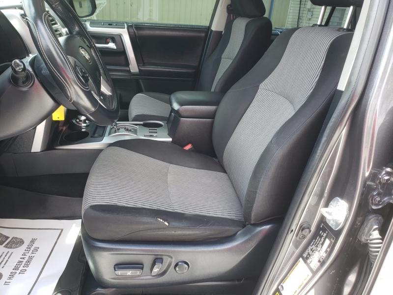 Toyota 4Runner 2016 price $28,900