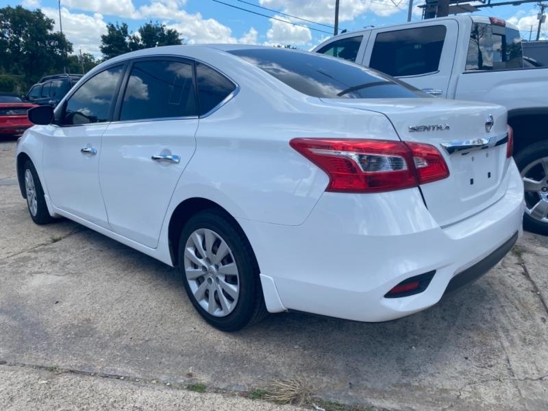 Nissan Sentra 2018 price $10,995