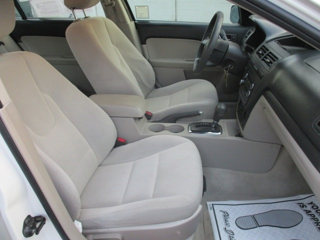 Ford Fusion 2009 price $6,650