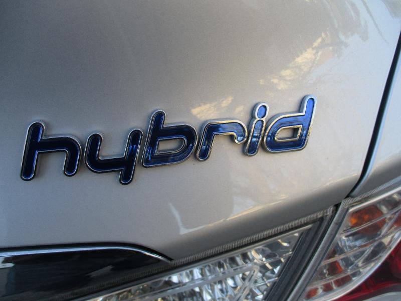 Hyundai Sonata Hybrid 2015 price $13,499
