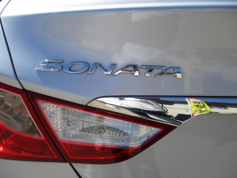 Hyundai Sonata 2011 price $8,999