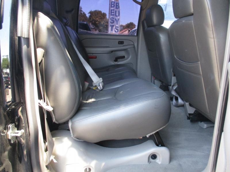 Chevrolet Avalanche 2006 price $15,999