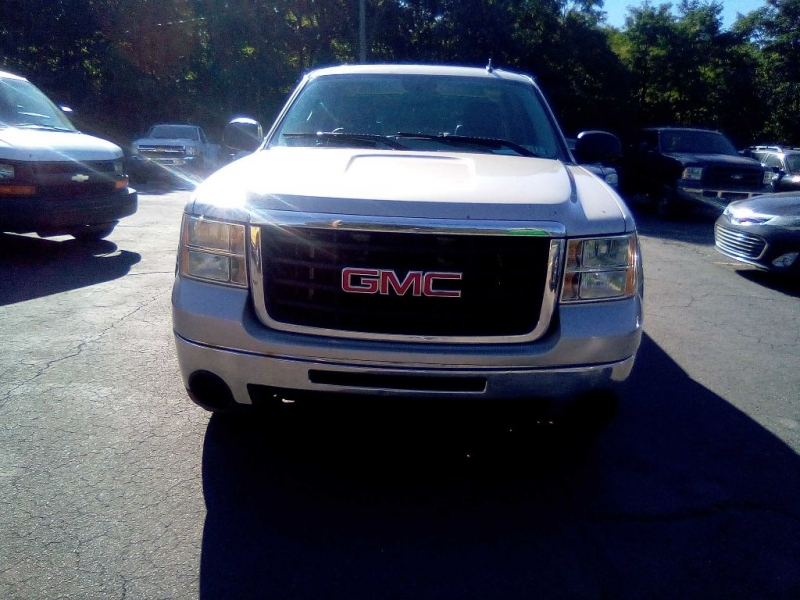 GMC SIERRA 2500 HD 2009 price Call for Pricing.